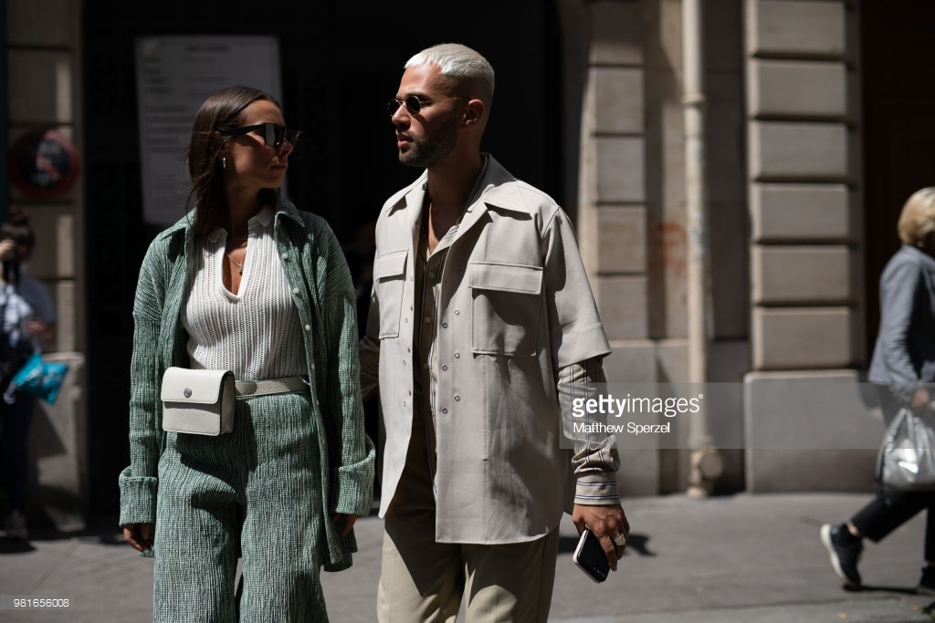 guests-are-seen-on-the-street-during-paris-mens-fashion-week copie