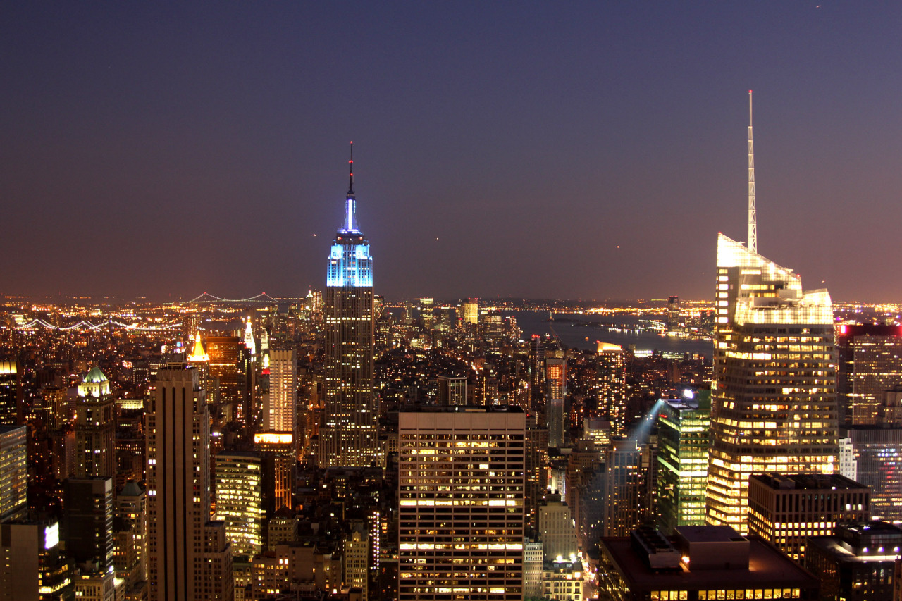 NEW YORK MANHATTAN ROOFTOP NIGHTVIEW
